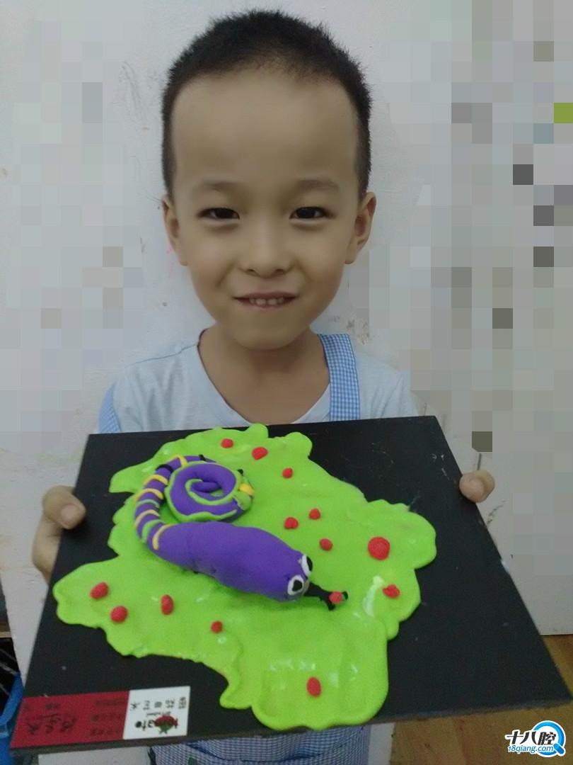 《小蛇变装秀》 我的小蛇冬眠后换了一件紫紫的新