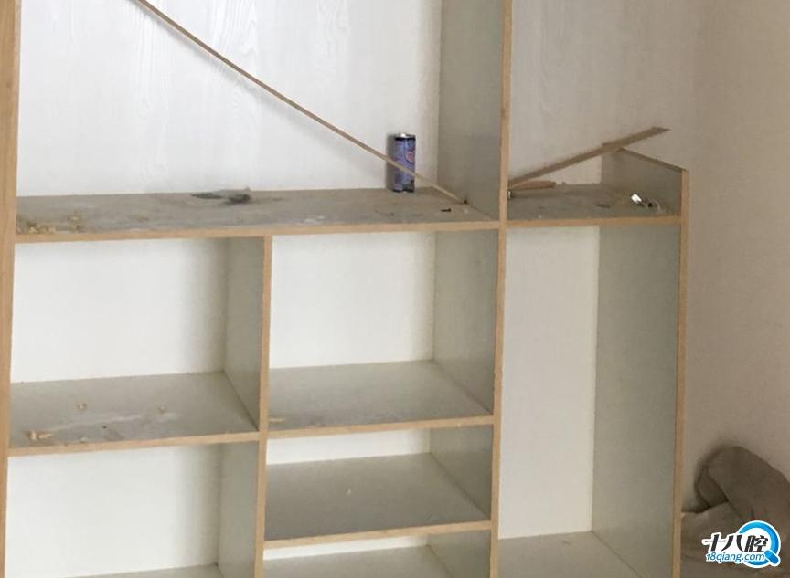 大衣柜柜体用免漆板做框架结构