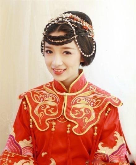 中式婚礼之新娘发型,端庄典雅