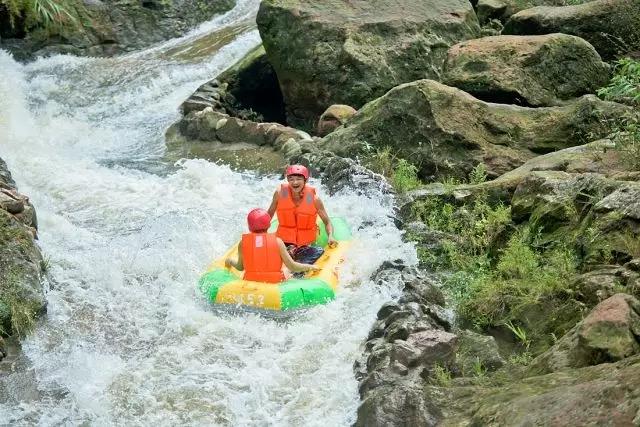 十八腔绍兴东方山水乐园自驾游活动!室内水公园、冒险王国、梦想世界、山之王国、水上激光电音节等你来挑战