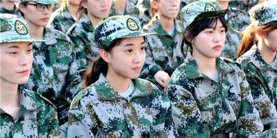 义乌工商学院模特班的这群女孩子火了