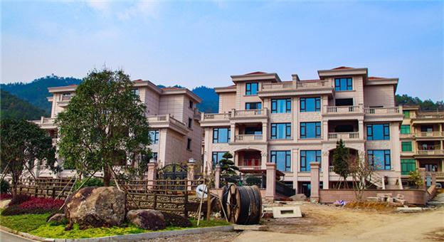 香山寺旁别墅村
