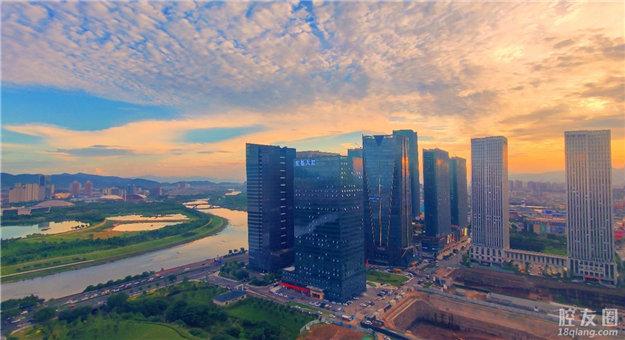 高楼大厦每天都有不一样的风景
